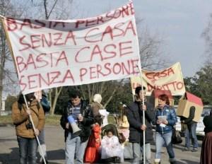 Una protesta contro gli sfratti (Archivio)